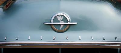 1954 Oldsmobile Super 88 Photograph - 1954 Oldsmobile Super 88 Grille Emblem -110c by Jill Reger