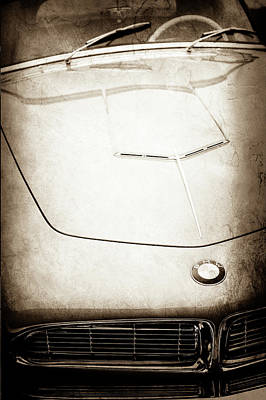 Photograph - 1958 Bmw 507 Series II Roadster Hood Emblem -1050s by Jill Reger
