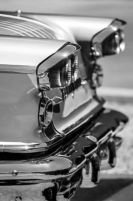 1958 Pontiac Bonneville Tail Lights -174bw Art Print