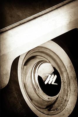 Nash Metropolitan Wall Art - Photograph - 1959 Nash Metropolitan Wheel Emblem -1556s by Jill Reger
