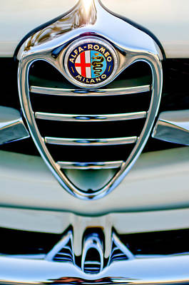 Photograph - 1962 Alfa Romeo Giulietta Coupe Sprint Speciale Grille Emblem by Jill Reger