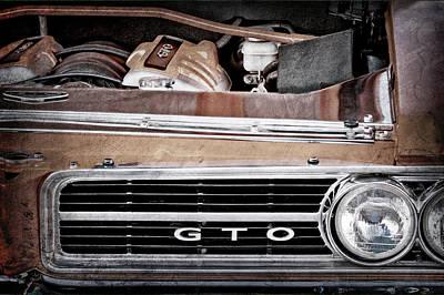 Vintage Pontiac Photograph - 1964 Pontiac Gto Grille Emblem - Engine -936ac by Jill Reger