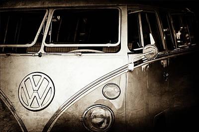 Bus Photograph - 1964 Volkswagen Vw Samba 21 Window Bus Emblem -1313s by Jill Reger