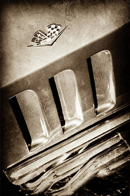 1965 Chevrolet Corvette Sting Ray Emblem -0410s Art Print