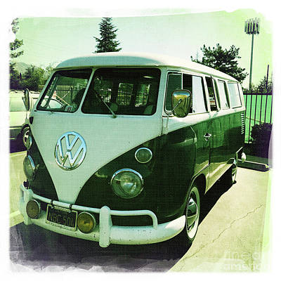 Photograph - 1965 Volkswagen Bus by Nina Prommer