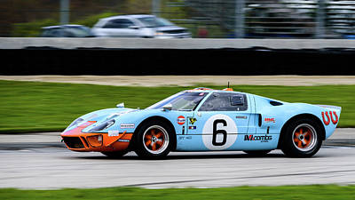 Photograph - 1968 Ford Gt40 Mk1 by Randy Scherkenbach