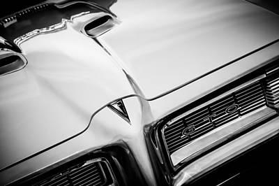 Photograph - 1968 Pontiac Gto Grille Emblem -0740bw by Jill Reger