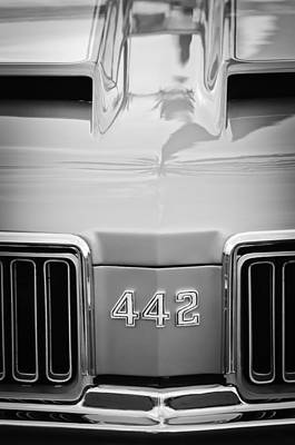 Photograph - 1970 Oldsmobile 442 Hood Emblem -472bw by Jill Reger