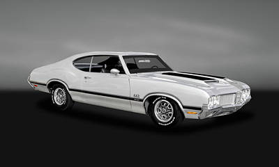 Photograph - 1970 Oldsmobile 442 W30  -  70w30olds262 by Frank J Benz