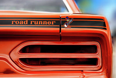 Roadrunner Digital Art - 1970 Plymouth Road Runner - Vitamin C Orange by Gordon Dean II