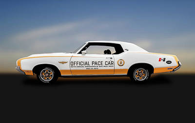 Photograph - 1972 Hurst Olds Pace Car  -  1972hurstoldsindypacecar184439 by Frank J Benz