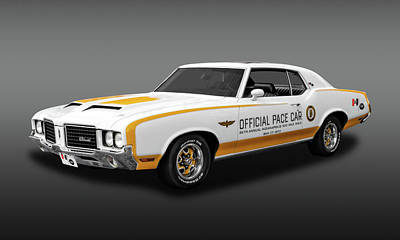 Photograph - 1972 Hurst Olds Pace Car  -  Hurstpacefa944 by Frank J Benz