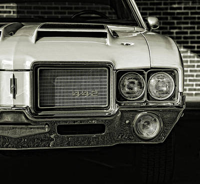 Photograph - 1972 Olds 442 by Gordon Dean II
