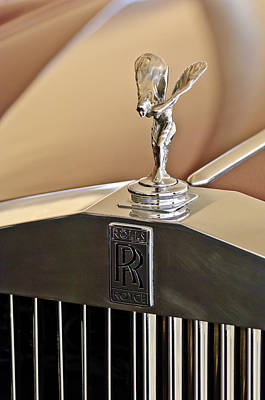 Hoodies Photograph - 1978 Rolls-royce Hood Ornamaent by Jill Reger
