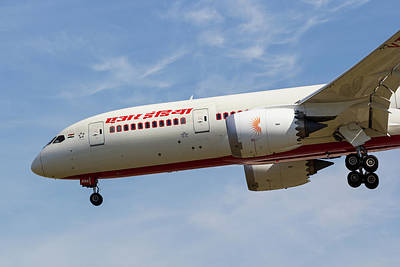 Boeing 787 Dreamliner Photograph - Air India Boeing 787 by David Pyatt