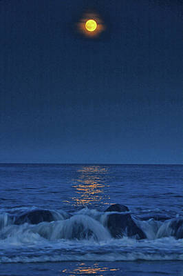 Photograph - Allenhurst Beach Full Moon Rise by Raymond Salani III