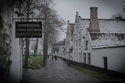 Photograph - Beguinale House Brugge by Henri Irizarri