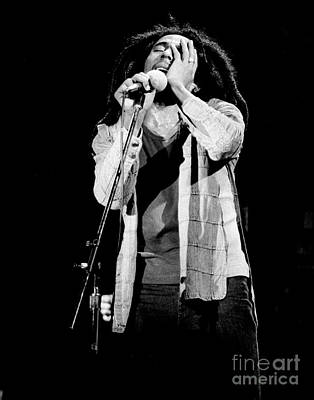 Perform Photograph - Bob Marley 1978 by Chris Walter