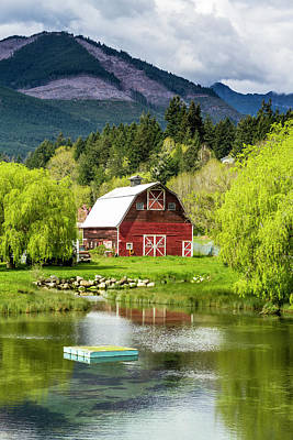Photograph - Brinnon Washington Barn by Teri Virbickis