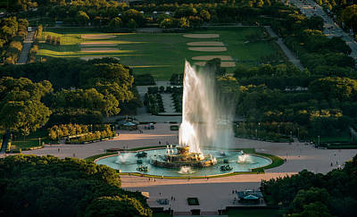 Buckingham Fountain Wall Art - Photograph - Buckingham Fountain Chicago by Steve Gadomski