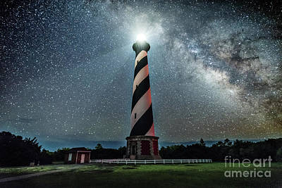Photograph - Cape Hatteras Light House by Robert Loe
