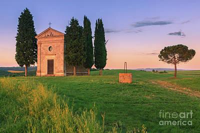 Little Chapel Photograph - Cappella Della Madonna Di Vitaleta by Henk Meijer Photography