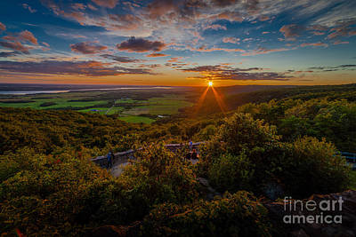 1-war Is Hell Royalty Free Images - Champlain Lookout Royalty-Free Image by Roger Monahan