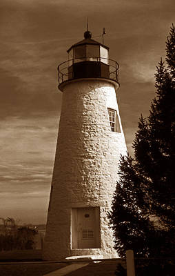 Concord Photograph - Concord Point Lighthouse Md by Skip Willits