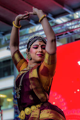 Diwali Photograph - Diwali Festival Nyc 2017 Female Classical Dancer by Robert Ullmann