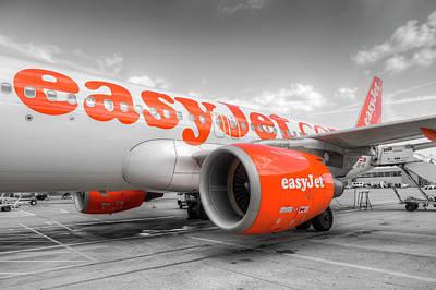 Photograph - Easyjet Airbus A320 by David Pyatt