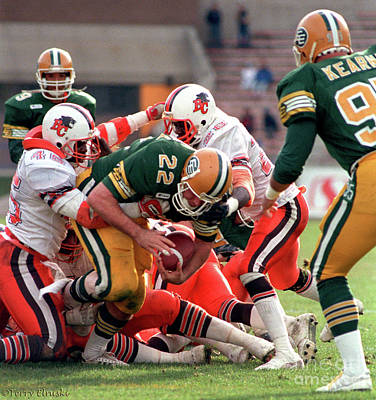Photograph - Edmonton Eskimos Football - Blake Marshall - 1988 by Terry Elniski