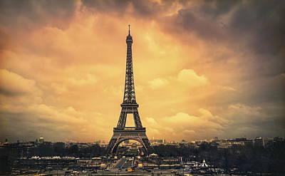 Landmark Digital Art - Eiffel Tower by Maye Loeser