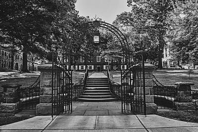 Photograph - Entrance To Rutgers University by Library Of Congress