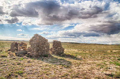Abstract Shapes Janice Austin Royalty Free Images - Grasslands House Ruin Royalty-Free Image by Robert Gaines