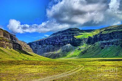 Photograph - Green Valley by Rick Bragan