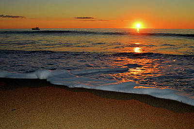 Undertow Photograph - Here Comes The Sun by Dianne Cowen