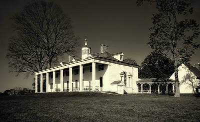 Photograph - Historic Mount Vernon by L O C