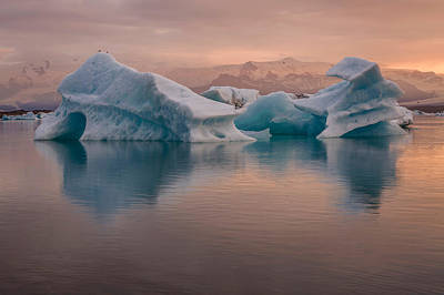 Cold Temperature Photograph - Icebergs On The Jokulsarlon Glacial by Panoramic Images