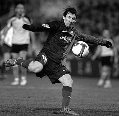Messi Photograph - Lionel Messi 2 by Rafa Rivas