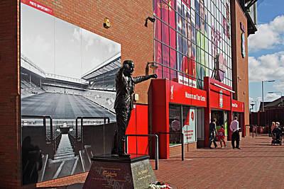 Liverpool Uk, 17th September 2016. Statue Of Bill Shankly At Liverpool Football Club's Stadium Art Print