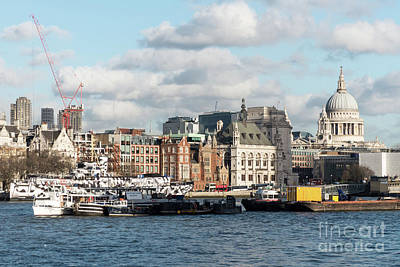 Photograph - London Skyline by Rod Jones
