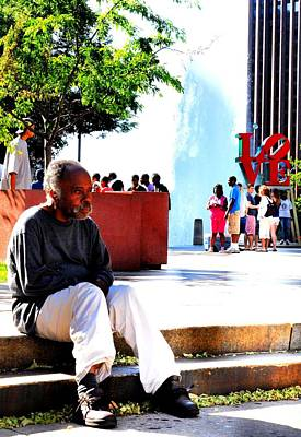 Photograph - Love Park Man by Andrew Dinh