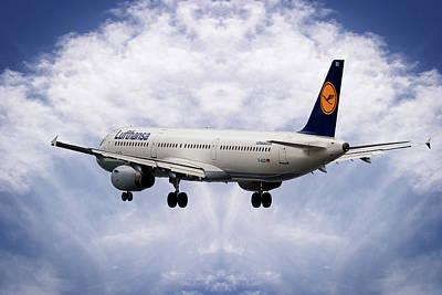Aircraft Photograph - Lufthansa Airbus A321-231 by Smart Aviation