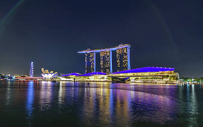 Marina Bay Sands And The Artscience Museum In Singapore Art Print