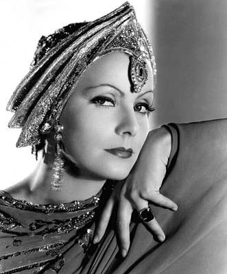 1930s Movies Photograph - Mata Hari, Greta Garbo, Portrait by Everett