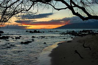 Maui Sunset Art Print by Stephen  Vecchiotti