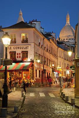 Montmartre Twilight Art Print