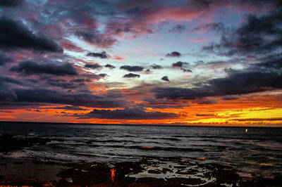 Photograph - Hawaii Sun Set A by Phyllis Spoor