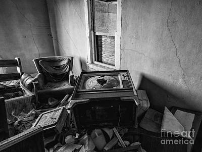 Vandalize Photograph - Old Abandoned House Interior by Michael Shake