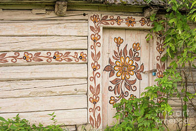 Photograph - Painted Cottage by Juli Scalzi